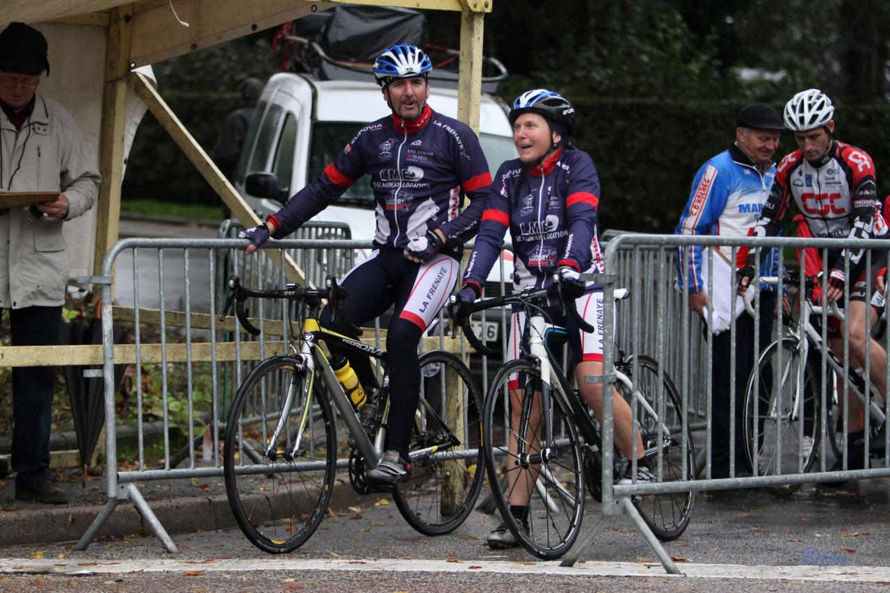 La deuxième équipe mixte sur le départ
